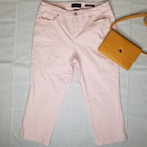 Charter Club Pink Bristol Capri Pants 6 Petite